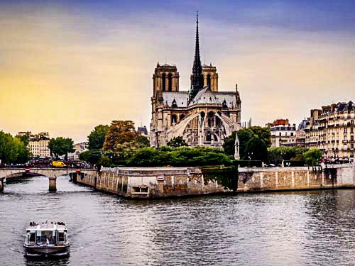 Как поехать в Париж недорого