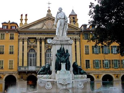 Площадь Гаррибальди в Ницце