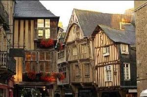 старинные дома Бретани Франция