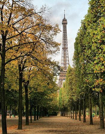 Эйфелева башня осенью