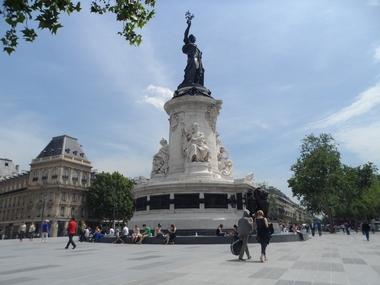 Площадь Республики в Париже