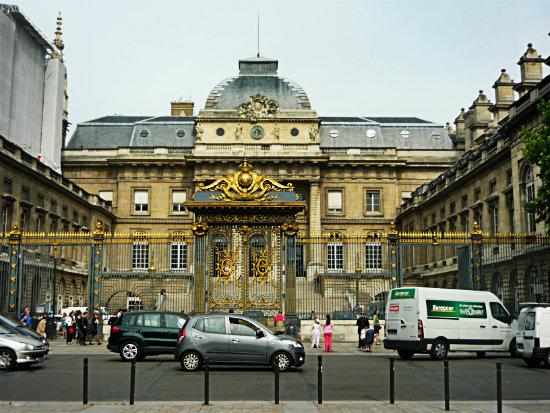 Дворец правосудия в Париже-3