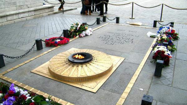 Могила неизвестного солдата в Париже-3