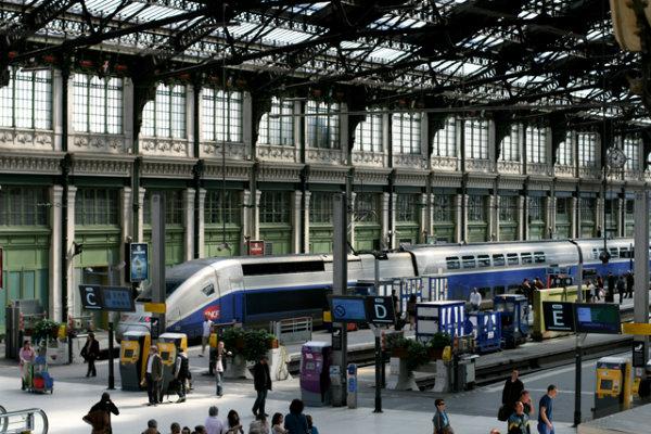 Поезда на вокзале