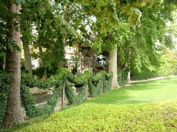 Уголок Люксембургского сада